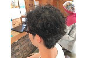 メンズ:デリケートヘアー:髪質改善&カッコイイ!マレーアカール(パーマ)